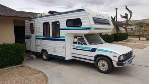 1984 Toyota Dolphin Motorhome For Sale in Joshua Tree, CA