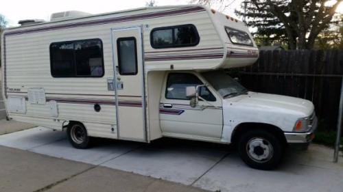 1989 Toyota Dolphin Motorhome For Sale in Sacramento, CA